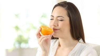 Siero alla vitamina C e i benefici sulla pelle
